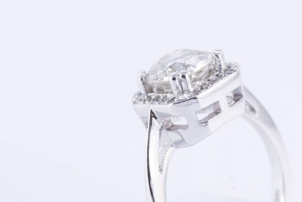 18ct white gold halo ring 5 1