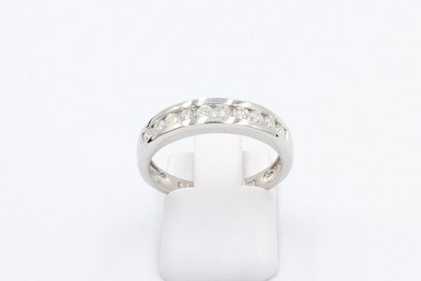 18k white gold channel ring 1
