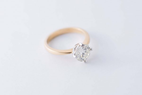 4claw yellow gold solitaire diamond ring 3
