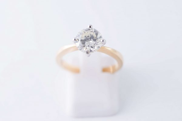 4claw yellow gold solitaire diamond ring 5