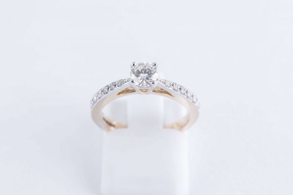 9ct Yellow Gold Solitaire Diamond Ring 3