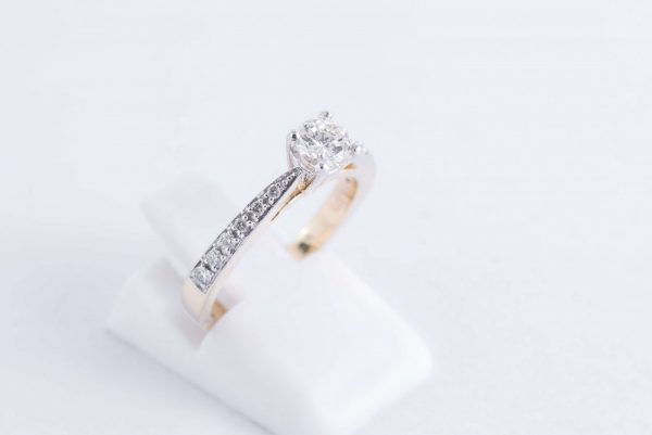 9ct Yellow Gold Solitaire Diamond Ring 4