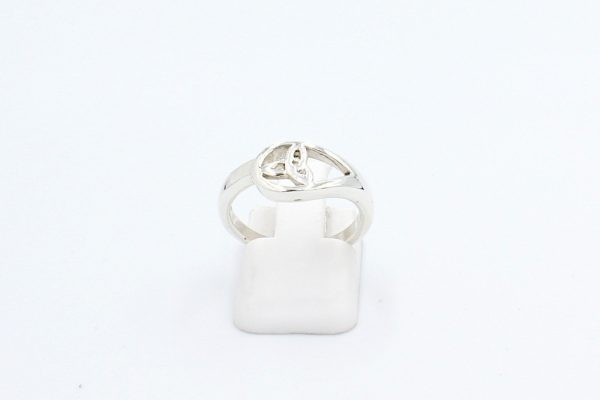 celtic knot ring front