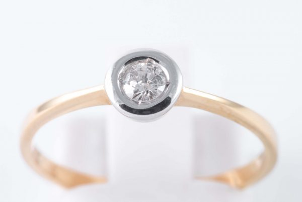 classy gold solitaire diamond ring 2