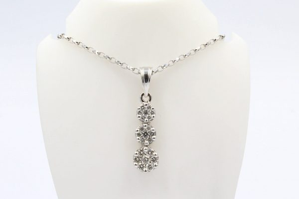 cluster diamond pendant chain