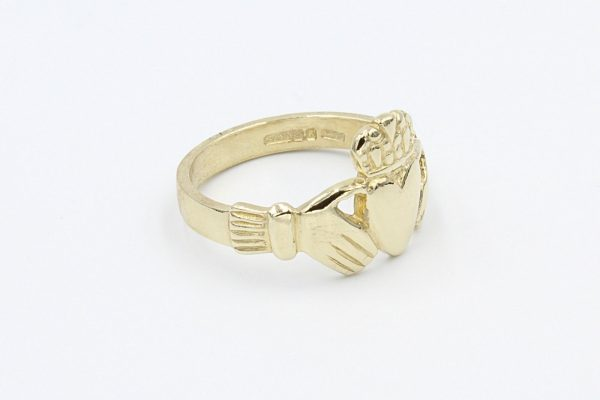 gold gents claddagh ring 2