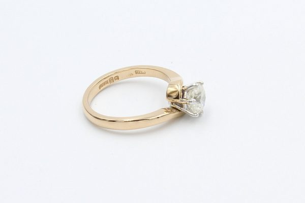 rose gold solitaire diamond ring 3