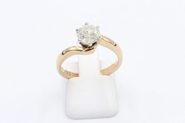 rose gold solitaire diamond ring 5