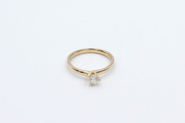 rose gold solitaire engagement ring top