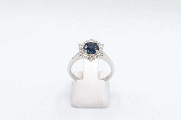 sapphire diamond cluster ring front