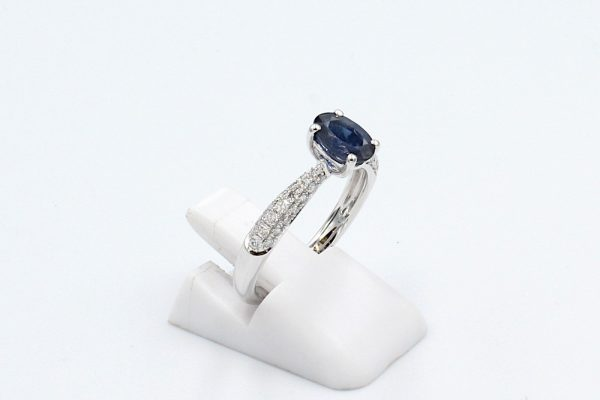 sapphire diamond engagement ring side