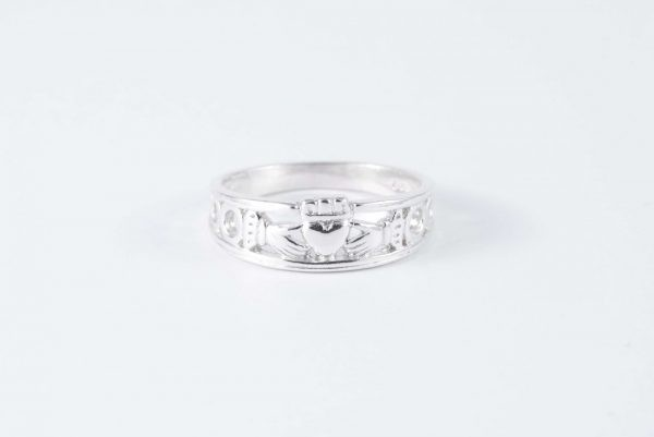 solid silver claddagh ring 1