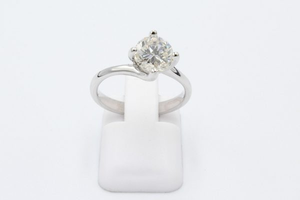 solitaire diamond engagement ring 4