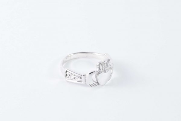 sterling silver claddagh ring 4