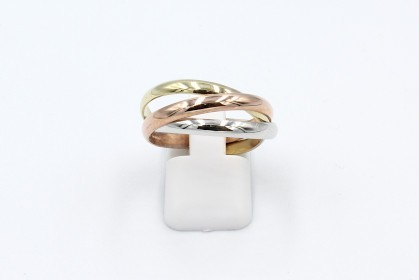 top view of russian wedding ring made from yellow, white, rose gold