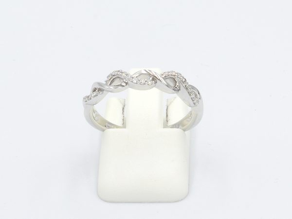 front view of a platted style diamond wedding ring in white gold